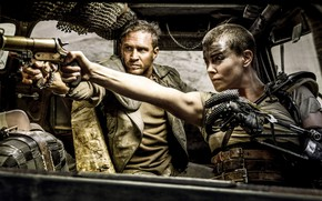 Picture girl, weapons, actor, cyborg, Tom Hardy, Tom Hardy, Mad Max: Fury Road