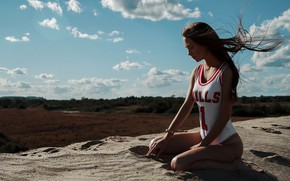 Picture Girl, Clouds, Chicago Bulls, Sand