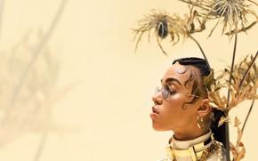 Picture girl, piercing, FKA twigs, Tahliah Debrett Barnett