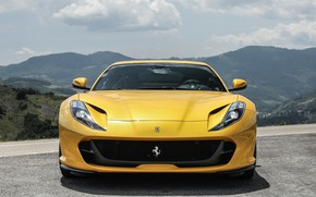 Picture Ferrari, front view, 2018, Superfast, 812