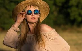 Picture girl, model, hat, glasses, Carla Monaco
