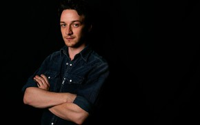 Picture actor, black background, James McAvoy
