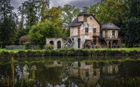 Picture France, Versailles, Ile-de-France, Château de Versailles, Le Hameau de la Reine avant l'orage