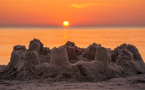 Picture sand, sea, the sky, the sun, light, sunset, castle, shore, the evening, pond, sand castle