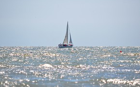 Picture sea, wave, reflection, boat, yacht, sails