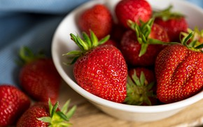 Picture summer, berries, table, food, towel, harvest, strawberry, red, bowl, composition, Victoria