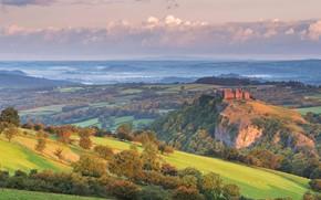 Picture Wales, village Ladder, castle Carrega Sennen, Carmarthenshire