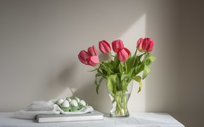Picture flowers, tulips, eggs