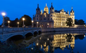 Picture night, bridge, the city, lake, castle, Germany, lighting, lights, architecture, Schwerin, Schwerin Castle, SeverEnergia