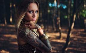 Picture look, decoration, trees, nature, pose, background, model, hand, portrait, makeup, tattoo, hairstyle, blonde, topic, bracelets, …