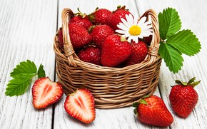 Picture berries, table, strawberry, basket