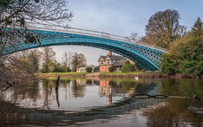 Picture bridge, house, river