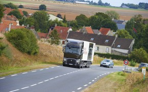 Picture road, home, truck, Renault, settlement, tractor, 4x2, the trailer, Renault Trucks, T-series