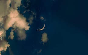 Picture the sky, clouds, the moon