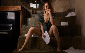 Picture dress, steps, legs, the beauty, piano, Alexander Urmashev