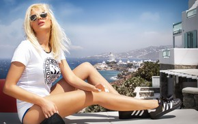 Picture girl, pose, Greece, glasses, t-shirt, blonde, legs