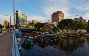 Picture building, Marina, boats, Wisconsin, USA, Milwaukee River
