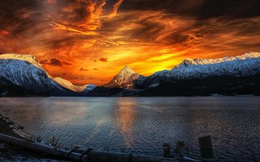 Picture sea, sunset, mountains