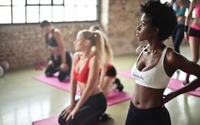 Picture yoga, class, ladies