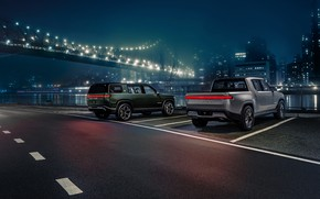 Picture Parking, pickup, SUV, 2019, R1T, Rivian, R1S