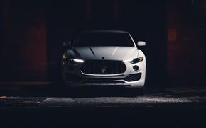 Picture Front view, Crossover, Maserati Levante S