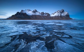 Picture sea, mountains, ice