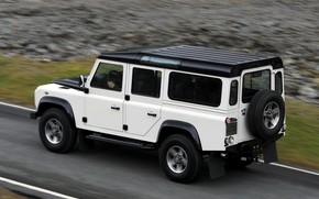 Picture Land Rover, 2009, Defender, Limited Edition, on the road
