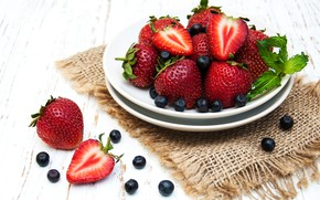Picture berries, blueberries, strawberry, plate, ripe, Olena Rudo