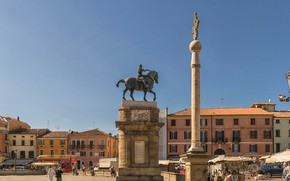 Picture home, area, Italy, monument, column, Padova, конная статуя