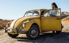 Wallpaper fiction, the sky, the sun, Bumblebee, girl, Hailee Steinfeld, Haley Steinfeld, yellow, car, road, Bumblebee, ...