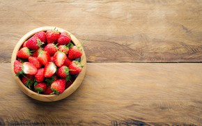 Picture berries, strawberry, red, fresh, wood, ripe, sweet, strawberry, berries