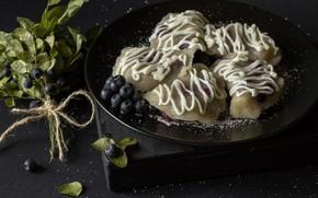 Picture berries, blueberries, sugar, sour cream, dumplings