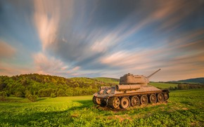 Picture field, the sky, tank, T-34-85