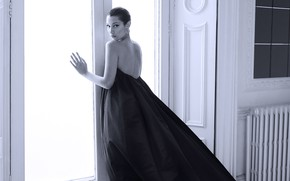Picture look, girl, model, window, black and white, Bella Hadid