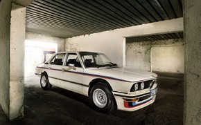 Picture white, BMW, sedan, 1976, four-door, 5-series, E12, 530 MLE