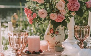 Picture holidays, flowers, mood, bokeh, glasses, bouquet, roses, candles, table, decoration, moods, blur effect, miscellaneous