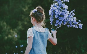 Picture flowers, back, girl