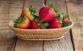 Picture berries, strawberry, red, basket, fresh, wood, ripe, sweet, strawberry, berries, busket