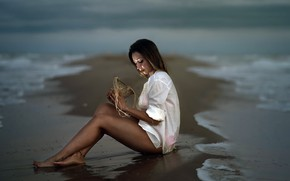 Picture sea, girl, shore, Mireia Lilu