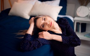 Picture girl, pose, bed, pillow, blouse, brown hair, Николай Брехов