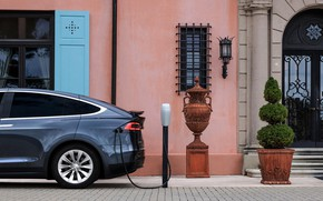 Picture street, charging, Tesla, electric