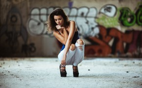 Picture girl, the city, street, model, jeans, brown hair, beautiful