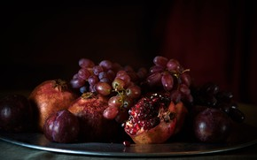 Picture light, red, the dark background, grapes, fruit, still life, plum, grenades, tray, composition, pomegranate grains