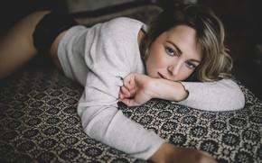 Picture sponge, curls, sweater, Alexandra Cameron