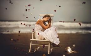 Picture sea, girl, shore