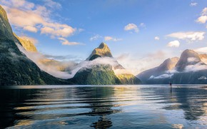 Picture mountains, lake, New Zealand