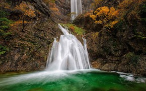 Picture waterfall, Spain, Albacete, the source of the river Mundo