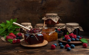 Picture berries, raspberry, Board, blueberries, strawberry, jars, banks, a lot, BlackBerry, jam, cuts, billet, berry