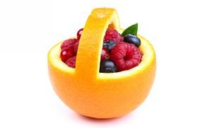 Picture berries, orange, vitamins