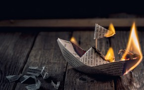Picture paper, fire, boat